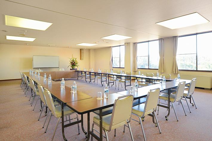 ホテルウェルネス能登路の中会議室