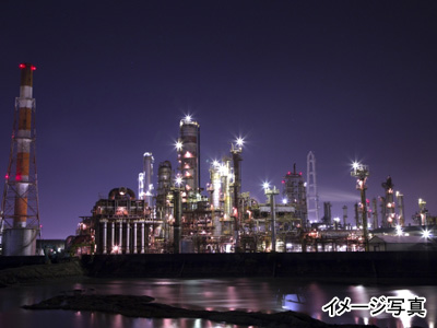 四日市工場夜景イメージ
